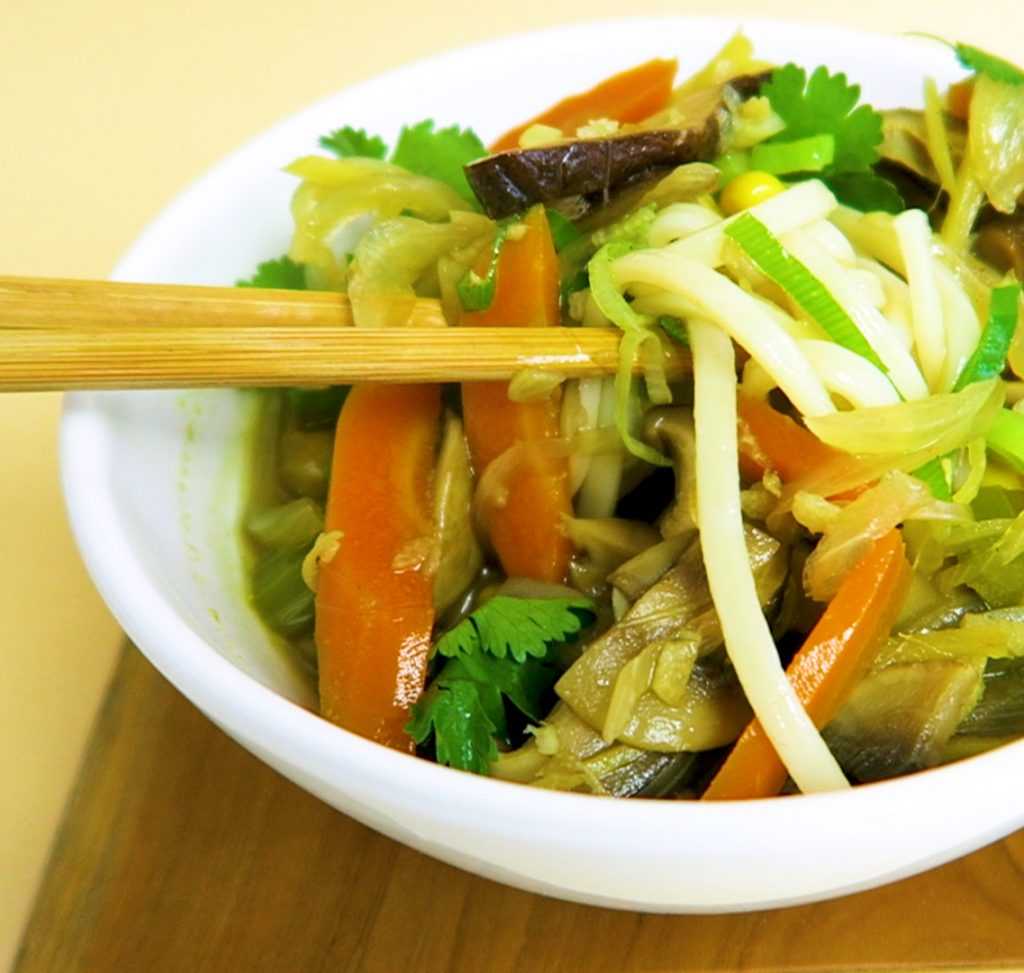 vegan udon noedelsoep