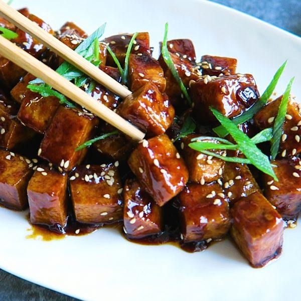 vegan zoete sticky tofu